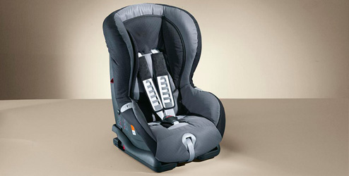 Opel Insignia Accessories   Child Seat Takata Maxi for Group 2/3